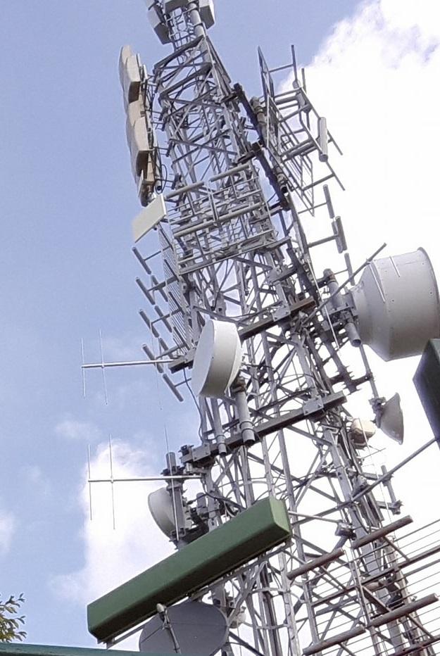 antenne UHF Sant Antonio Abbandonato - DTT, 700 MHz. Riunione al Mise il 27/09. Entro il 31/12 chiusura coordinamento. Per 30/06/2018 refarming. Il nodo indennizzi a tv