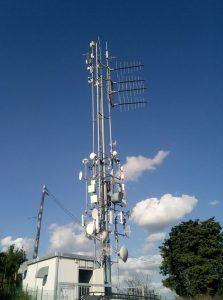 antenne fm logaritmiche 223x300 - Radio 4.0. Audi sposa Radio DNS per la radio ibrida: sempre sintonizzati con scelta automatica FM, IP e DAB