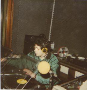 """Stefano Apicella TOP 40 1987 290x300 - Radio. Il medium perde i giovani per strada. Colpa dei vecchi editori, """"che fanno radio da 40 anni"""", sordi ai cambiamenti"""