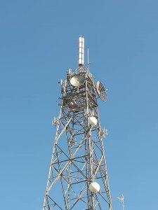 """antenna traliccio Antenna Sud Bari 225x300 - TV. Riforma Tusmar, approvato schema decreto. Franceschini: """"aiuto alla creatività""""; i broadcaster protestano"""