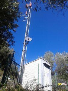 antenne pannelli RAI Capannori Lucca 225x300 - Tv locali. CRTV: ricavi 2016 a -10%, -500 addetti. Comparto non aggancia ripresa e torna a 15 anni fa. La riforma che vuole rilanciare settore con contributi selettivi