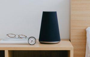 smart speaker 300x189 - Radio e pubblicità. Programmatic: opportunità importante. Ma ci sono ancora dubbi e gli editori non sembrano pronti