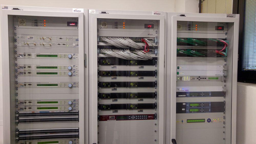 DAB RAS HDR - Radio digitale. RAS inizia lo switch-off FM/DAB+ in provincia di Bolzano con 19 impianti off. Ma se la decisione fosse stata azzardata?