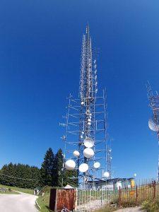 antenne fm coacervo 2 225x300 - Tv. Sono 427 i canali DTT e sat ricevibili a livello nazionale. Sono prodotti da 118 editori di cui solo 71 italiani