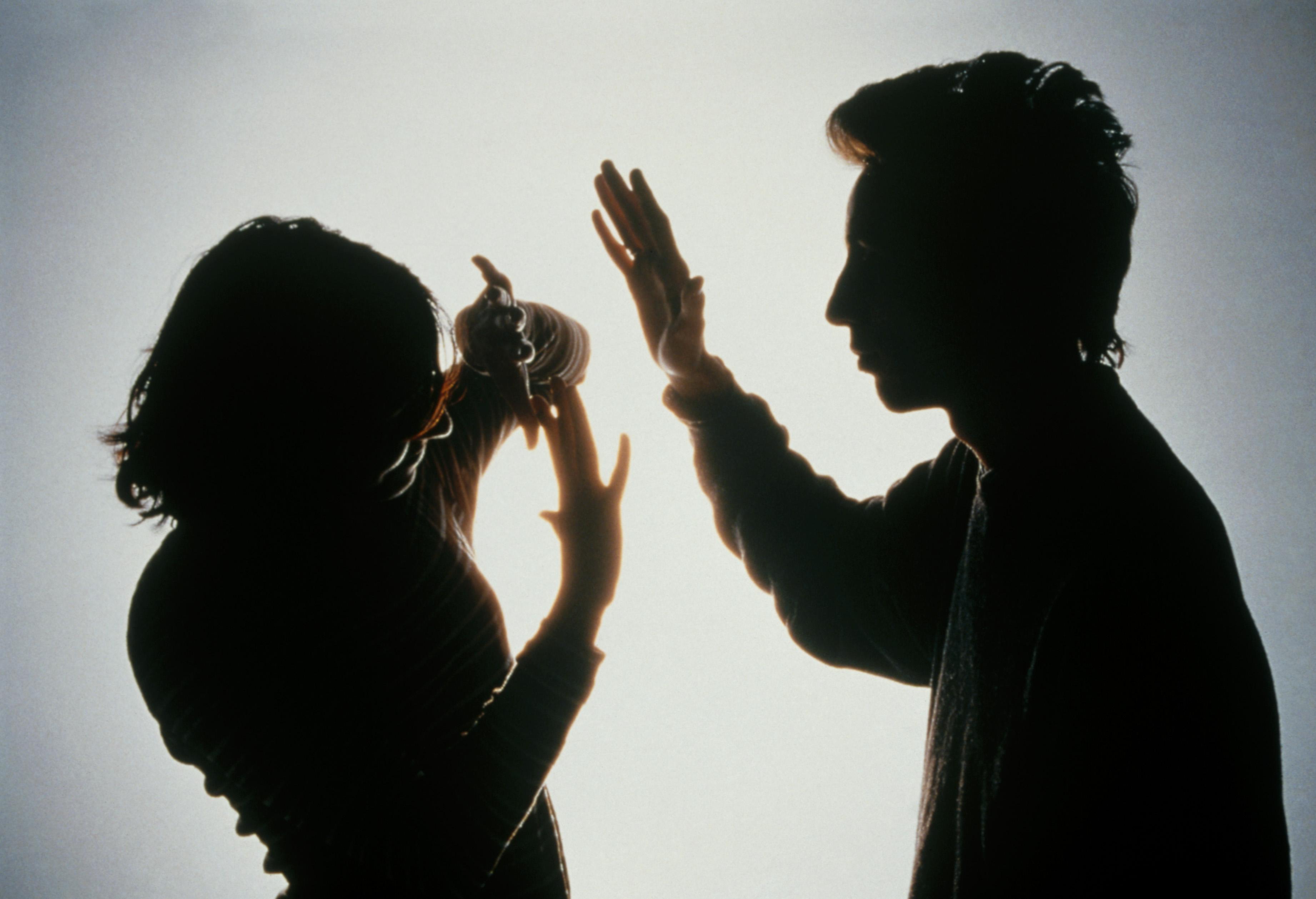 molestie sessuali - Tv. Agcom: molestie sessuali e bolle comunicative. Raccomandazione per corretta rappresentazione immagine della donna nei programmi tv