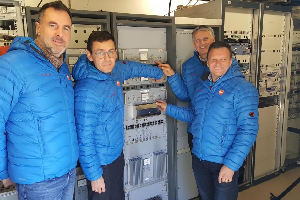 RAS off impianti FM - Radio digitale. RAS inizia lo switch-off FM/DAB+ in provincia di Bolzano con 19 impianti off. Ma se la decisione fosse stata azzardata?