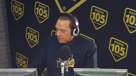 Silvio Berlusconi a Radio 105 - Radio. De Robertis parla del divorzio con Radio 105. Momento delicato, temo non avrà vita facile. Una volta c'erano pochi mezzi e tante idee. Ora è il contrario