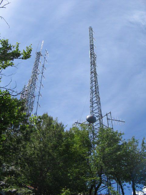 antenne tralicci coppia - Comunicazioni. Agcom: 17,6 miliardi il valore complessivo del Sistema Integrato delle Comunicazioni (SIC). Su del 3,3% rispetto ad anno precedente