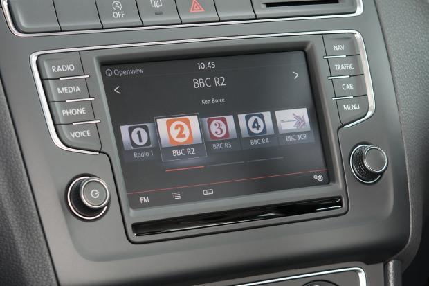 """radio in car - Radio 4.0. Il futuro dell'in-car passa dal display: la radio deve preoccuparsi anche di """"come si vede"""", oltre che di """"come suona"""""""