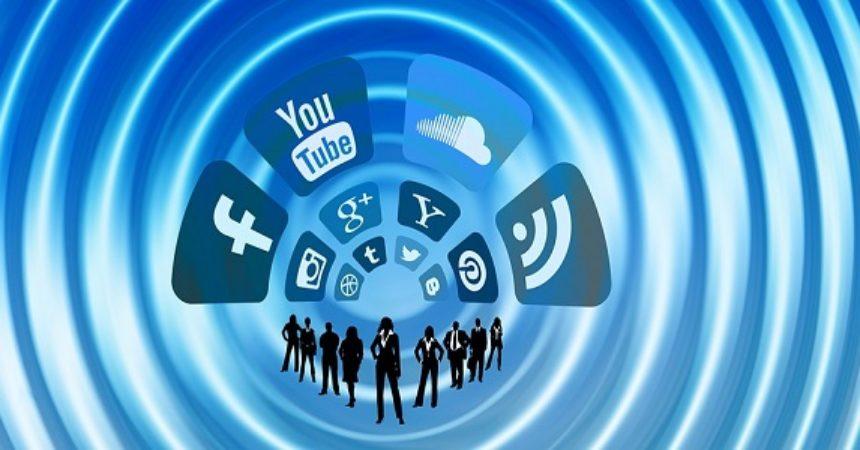 social news - Media 4.0. Censis: utenti stanno migrando in massa da media analogici a digitali. Social stanno diventando fonte news