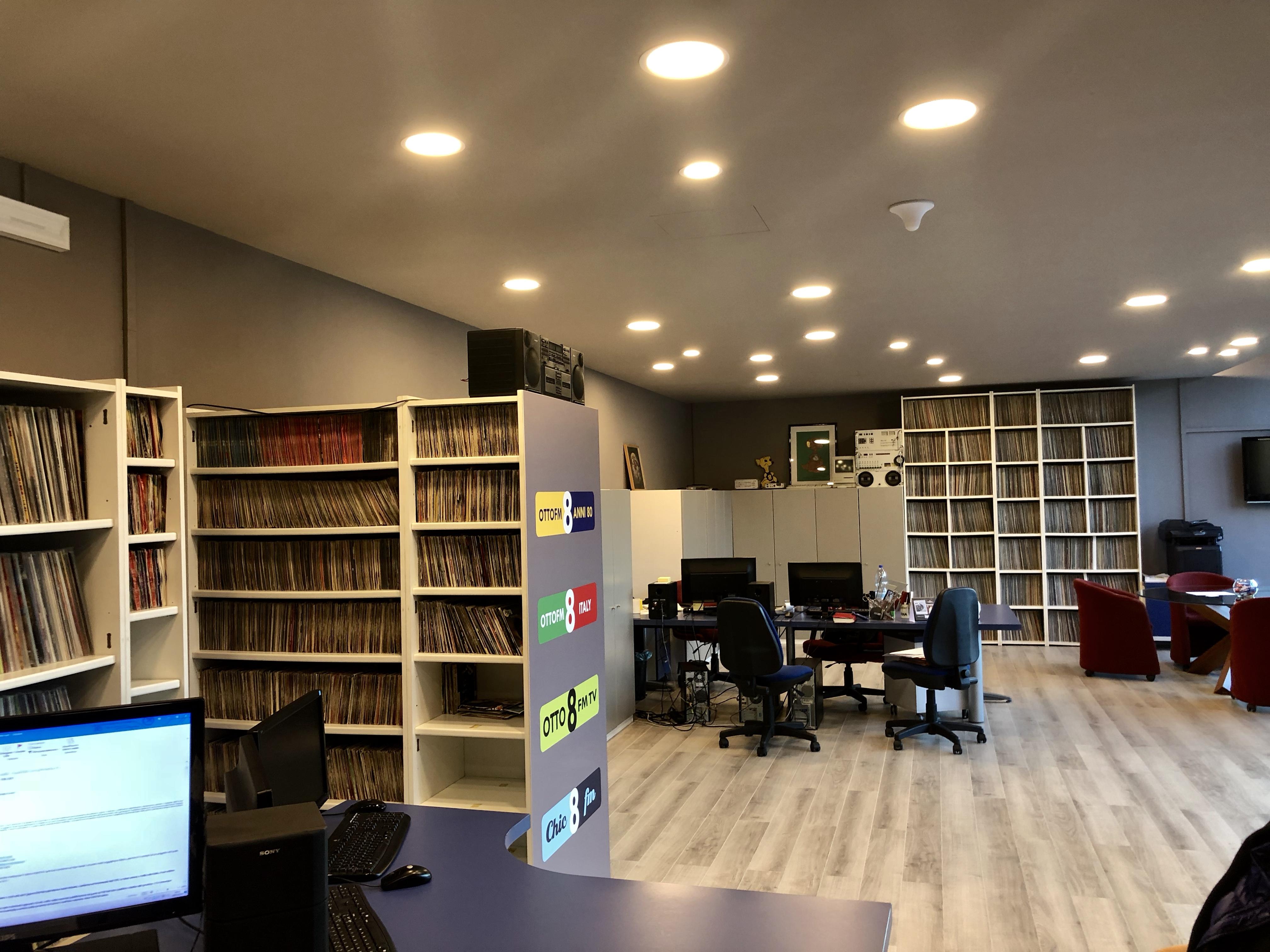"""Otto FM sede - Radio locali, Lombardia. Indagini d'ascolto TER, Otto FM: """"Piaciamo a chi investe e a chi ascolta"""""""