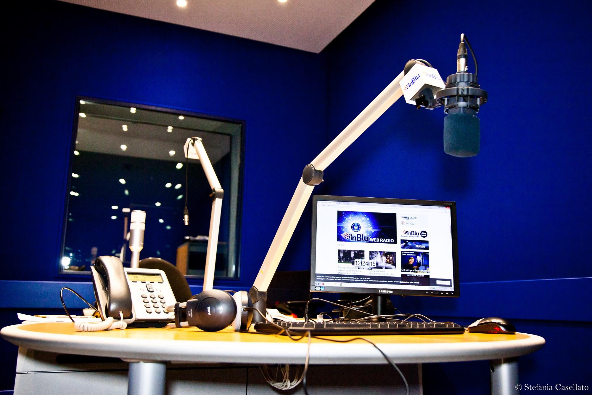 Radio inBlu studio 01 - Radio. Mons. Viganò (Radio  Vaticana): indispensabile multipiattaforma. In DTT faremo nuovo modello visual e pensiamo ad aggregatore IP cattolico