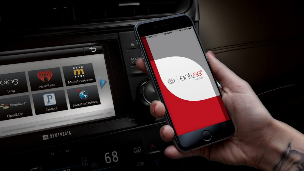 Toyota Hero avalon dash internet gracenote 1024x576 - Radio 4.0. USA: Gracenote (Nielsen) presenta l'hybrid radio AM/FM-IP pronta anche per l'Europa