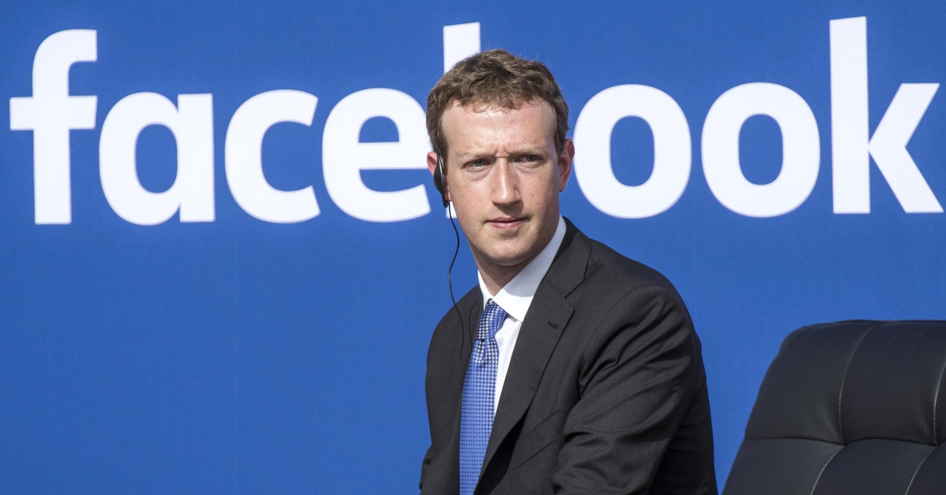 facebook - Media. News Corp: salgono i ricavi, restano polemiche contro social e fake news. Murdoch: credibilità ha valore economico