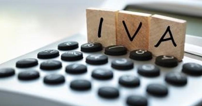 """iva - OTT & e-Commerce. Amazon lancia il guanto di sfida ai commercialisti con """"Servizi IVA"""". Preoccupazione dei liberi professionisti"""
