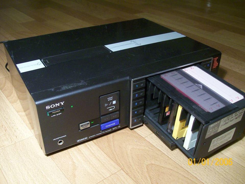 Sony MTL 10 - Radio libere. Il notturno: tra equilibrismi e peripezie nell'era dei nastri magnetici