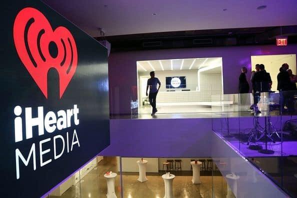 town hall main lobby - Radio. La caduta degli Dei: iHeartMedia in bancarotta, il colosso statunitense invoca in extremis il Chapter 11