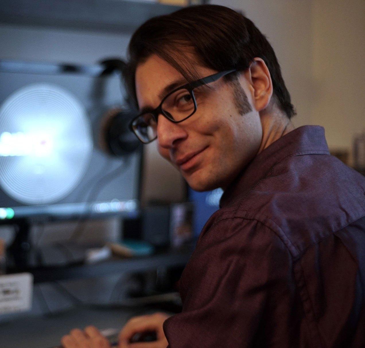 Lorenzo Dardano foto - Web & Radio. Lorenzo Dardano lancia il nuovo blog rivolto (anche e soprattutto) ai radiofonici. Si parte con una serie di interviste a Lualdi