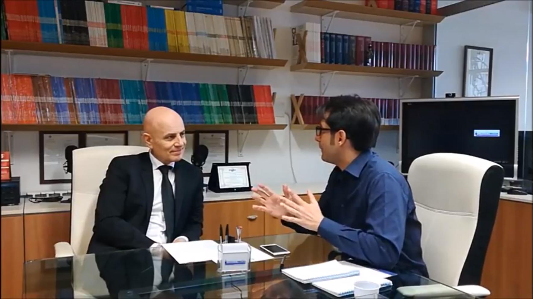 Massimo Lualdi e Lorenzo Dardano - Web & Radio. Lorenzo Dardano lancia il nuovo blog rivolto (anche e soprattutto) ai radiofonici. Si parte con una serie di interviste a Lualdi