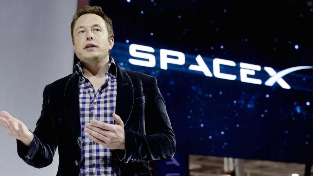 Space X Elon Musk 1024x576 - Web & idee. La storia di Elon Musk: da un budget di un euro al giorno a milionario a 27 anni