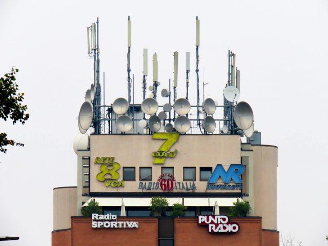 attività, sede 7 Gold Bologna, antenne