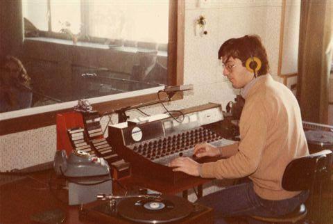 Radio MIlano Ticinese 2 - Storia della radiotelevisione italiana. Radio Milano Ticinese, la radio di Gino Bramieri