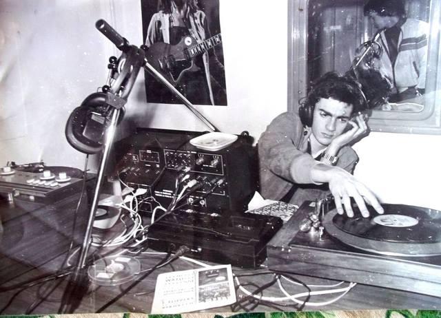 Radio Metropoli Milano - Radio. Ricordi di un'epoca che non c'e' piu'. Le riunioni: un crogiolo di emozioni e tensioni difficile da dimenticare