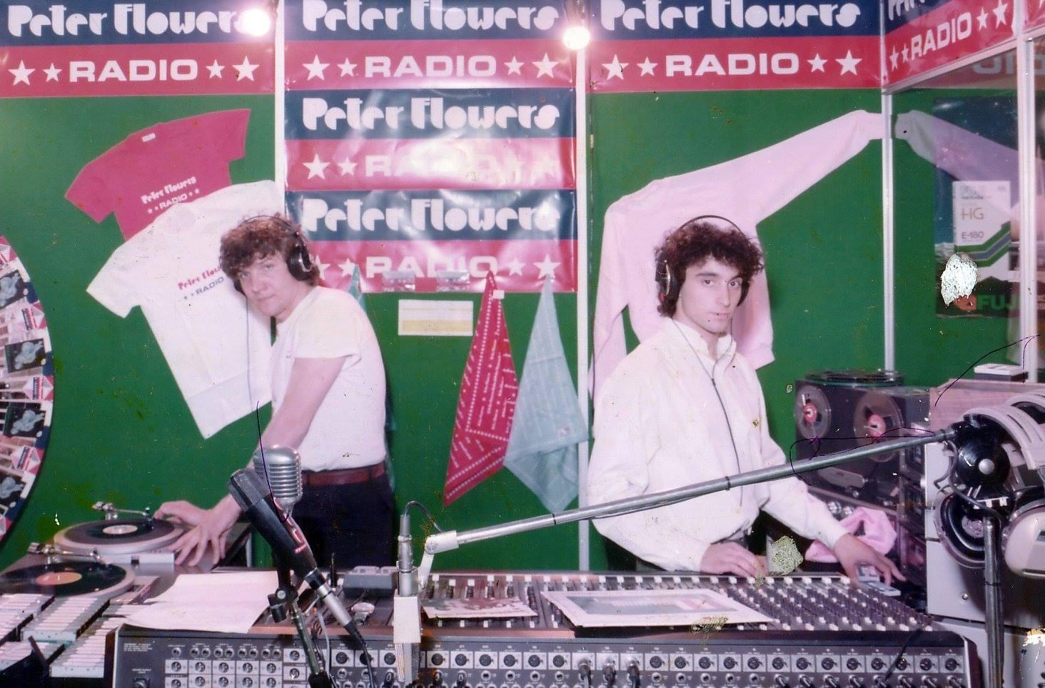 Radio Peter Flowers Gianni Bosio e Franco Lazzari - Radio. Tra rimpianti, rimorsi e occasioni perdute e un unico indiscutibile punto di non ritorno: il 1990, quando tutto cambio' per non rimanere mai piu' come prima