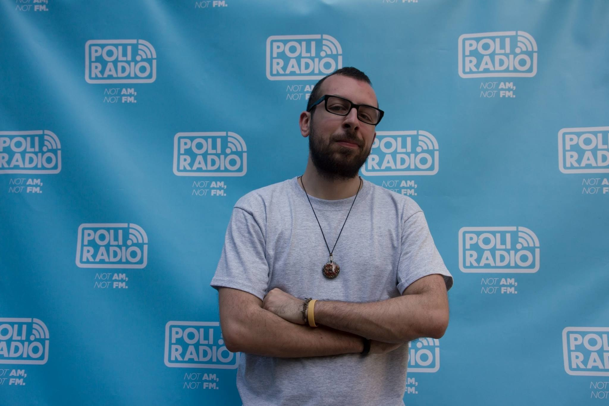 """PoliRadio 2 - Radio 4.0. Il caso Poli.Radio, nativa digitale. Emanuele Campagnolo:  l'utente non deve preoccuparsi di """"come"""" riceve l'informazione, ma solo di riceverla. L'ibridazione e' una esigenza"""