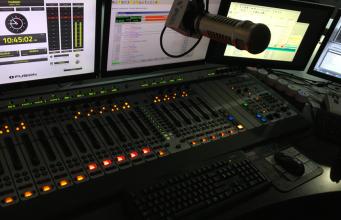 iheart studio miami blockbuster 341x220 - Newslinet  periodico di Radio e Televisione , Telecomunicazioni  e multimediale