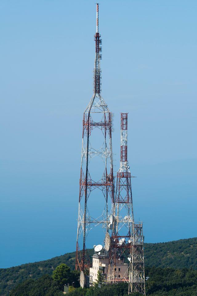 Tralicci e impianti af bf - Radio e Tv. Il gruppo FB degli operatori tecnici di Floriano Fornasiero raggiunge i 5000 iscritti. Ma ora ha un orizzonte di interessi più ampio