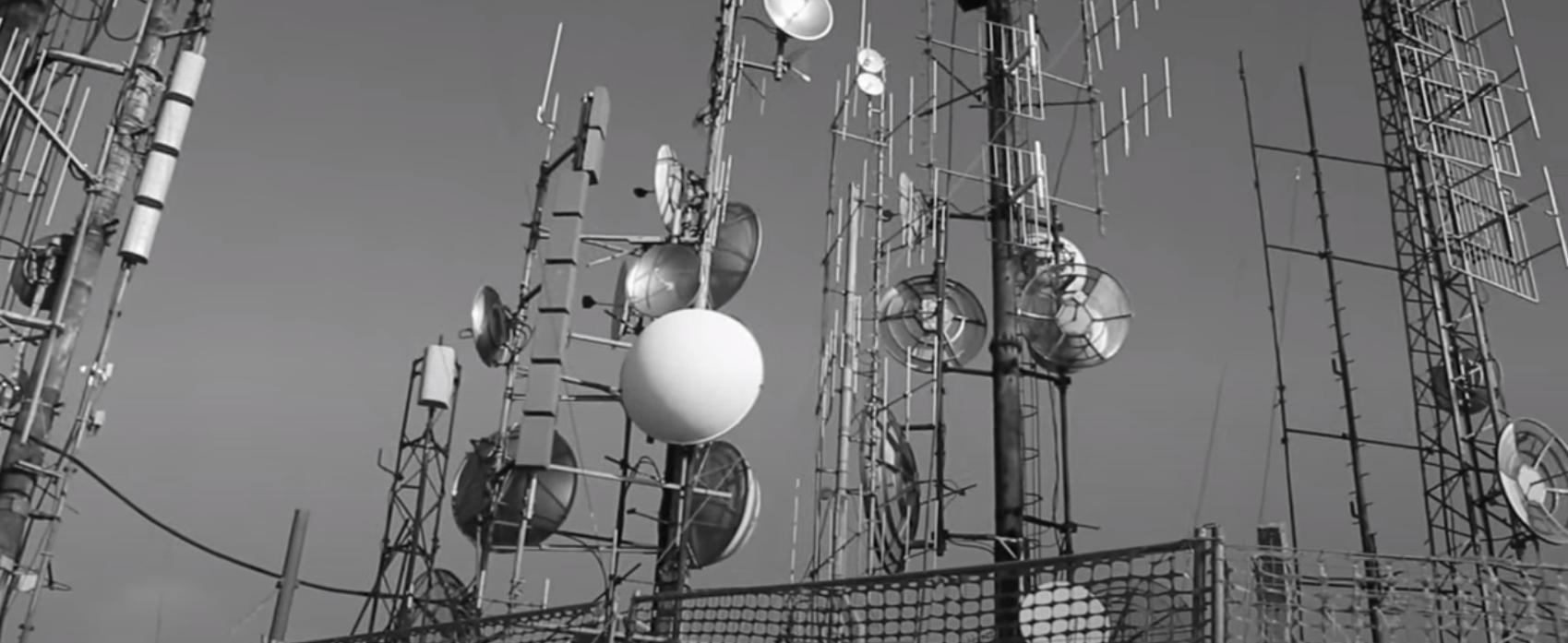 """monte cero 1 1 - Towering. """"Cero, un volt.../metro"""". La videostoria del complesso risanamento dei sistemi trasmittenti radio e tv sul Monte Cero (Pd)"""