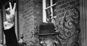 Streaming on demand, Radio, La Strana Guerra di Winston Churchill
