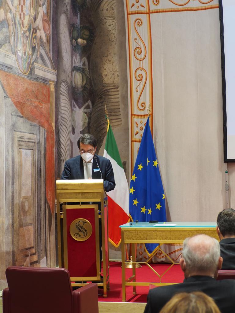 Giacomo Lasorella Presidente AGCOM - Web & società. Terzo Rapporto Auditel-Censis: 3,5 mln di famiglie senza uno smartphone. Totalmente isolate durante il lockdown