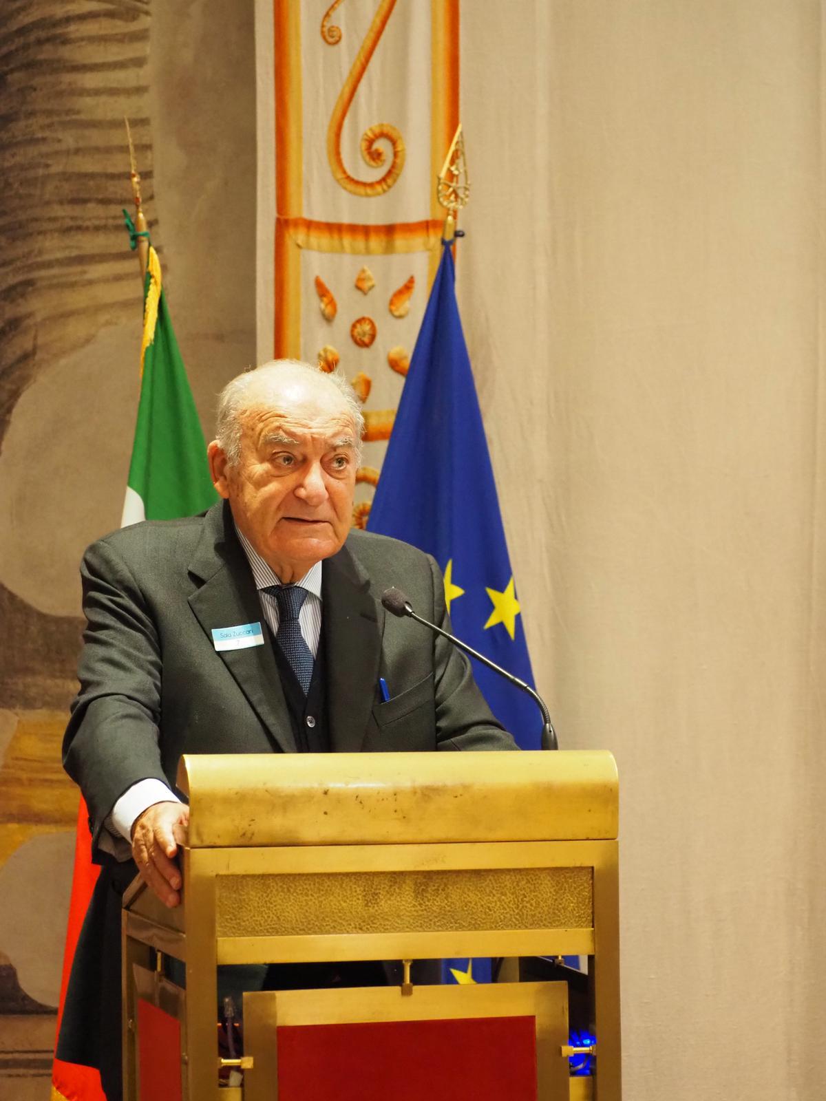 Giuseppe De Rita Presidente del Censis - Web & società. Terzo Rapporto Auditel-Censis: 3,5 mln di famiglie senza uno smartphone. Totalmente isolate durante il lockdown