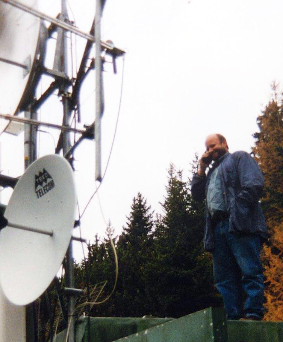 Gunther Ebner 1992 RTA Radio TransAlpin - Storia della radiotelevisione italiana. Bolzano, Radio TransAlpin: l'antenna più alta d'Europa con 400.000 W ERP per servire Austria e Germania dall'Italia