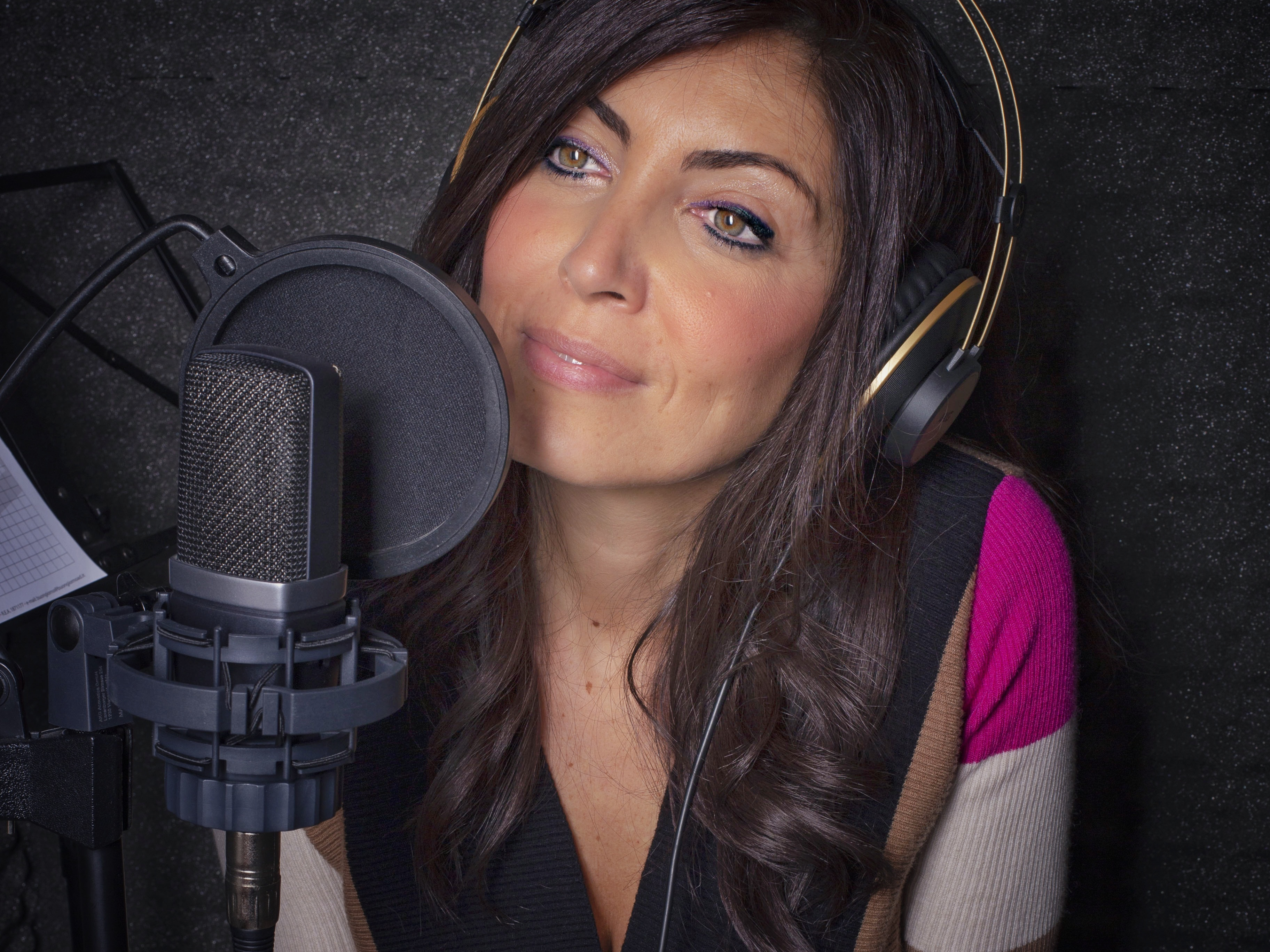 Laura Badiini 2 - Radio. Tanti gli errori commessi nella interazione sul web. Da siti vecchi a immagini inflazionate, da social mal utilizzati a zero budget promozione