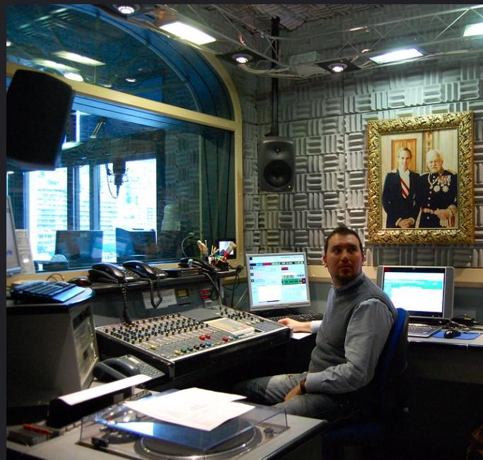 rrmc mc - Radio. Maurizio DiMaggio racconta la RMC degli anni '80. E di quella volta che intervistò Elton John con il registratore in pausa