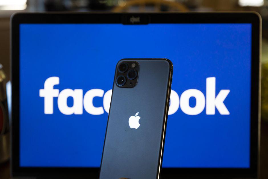 facebook apple iphone 1192 - Media. Apple presenta Apple Podcasts Subscriptions. Da maggio l'app permetterà di abbonarsi a singoli show o a creators specifici