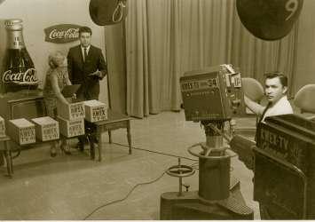 kcor tv - Tv. Gli operatori tv imparano a proprie spese cosa sono i cord cutting. Univision lancia la sua offerta streaming