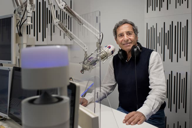 roger schawinski - Radio. Svizzera: è guerra sullo switch-off analogico digitale. Roger Schawinski, il pirata di Radio 24 Zurigo: folle spegnere ora FM