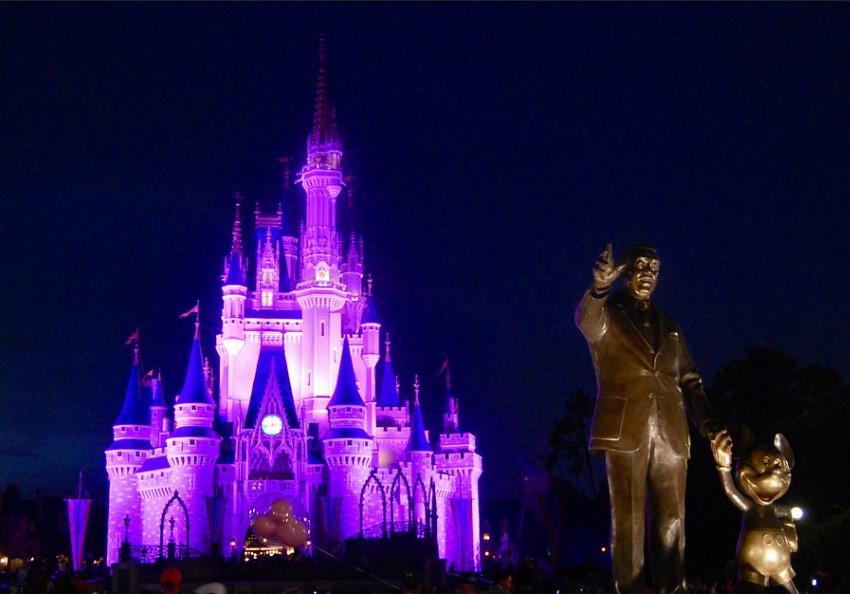 disneyworld - Media. Disney+ annuncia incremento record abbonati. Ma causa di Scarlett Johansson solleva il coperchio della pentola su retribuzioni