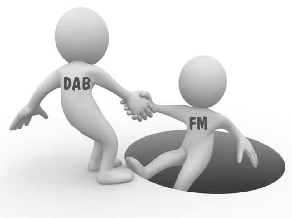 omino che aiuta altro - Radio. Domani conclusione esame commissioni parlamentari su schema di D. Lgs. che aggiornerà TUSMAR. Il nodo della successione DAB+/FM