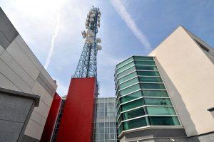 Telelombardia sede 300x200 - Tv locali, Auditel 2016. Emittenti stanche, ma un caso emblematico da studiare: quello di Espansione Tv