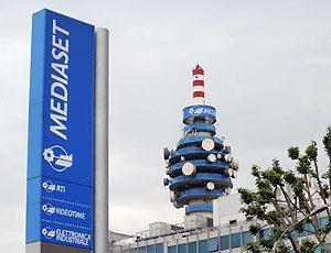 mediaset(3) 300x230 - Tv. Vivendi e Mediaset in trattativa: il punto d'incontro potrebbe essere il calcio
