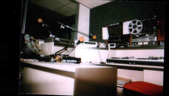 """radio nbc studio 1982(1) - Radio. Cosa resterà di quegli anni '80 (e '70) quando la radiofonia sarà """"una cosa diversa""""?"""